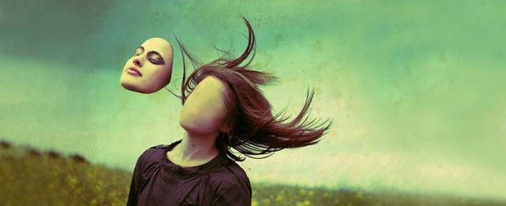 Faceless Composition by Lara Jade El Moderador